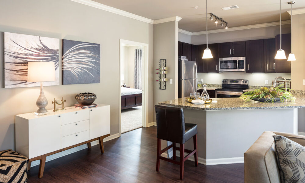 49d-grnwd-kitchen-lr